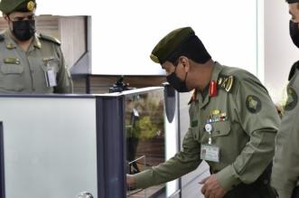 جوازات الرياض بقيادة اللواء السعد .. دقة التنظيم وسهولة الإجراءات ورقي التعامل - المواطن