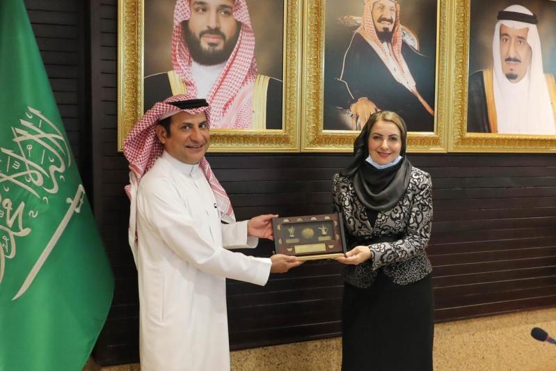 وفد عماني يطرح باتحاد الغرف السعودية 150 فرصة استثمارية بقيمة 15 مليار ريال - المواطن