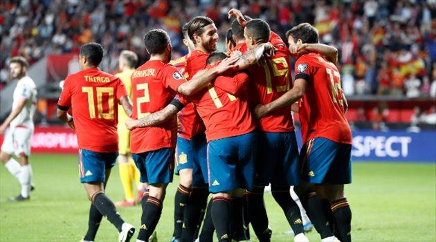 قرار في منتخب إسبانيا بعد إصابة 2 من نجومه بـ كورونا