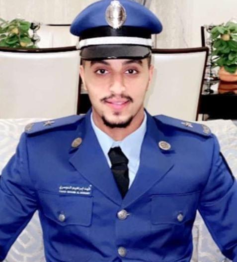 فهد الدوسري يحتفل بتخرجه برتبة ملازم