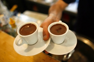 الصيف لا يمنع تناول الشاي والقهوة .. ولكن - المواطن
