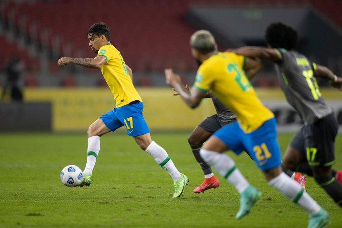البرازيل ضد الإكوادور