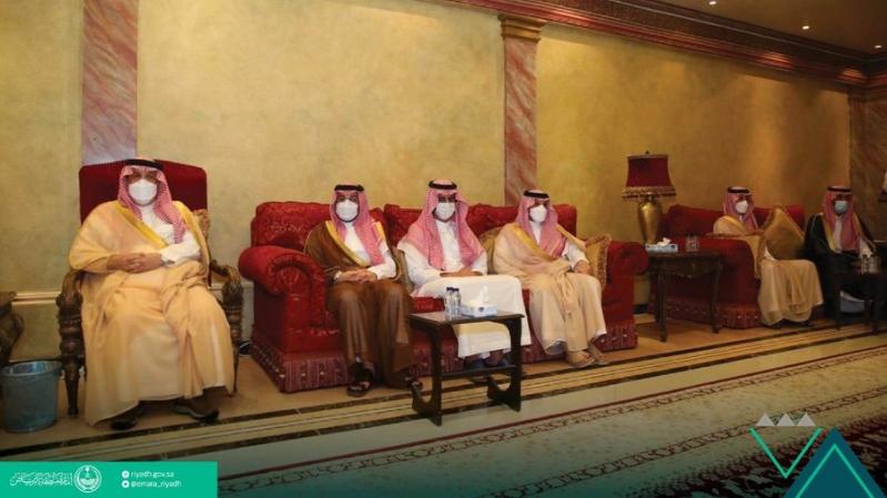 أمير الرياض يعزي أسرة مستشاره الخاص: ترك ذكرى طيبة وسيرة حسنة - المواطن