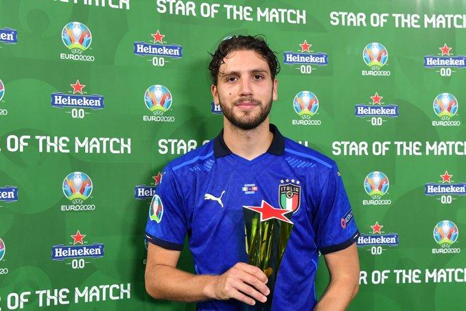 لوكاتيلي يعادل رقم نجمي إيطاليا السابقين