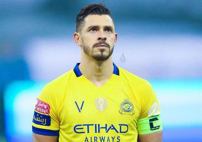 جوليانو لاعب النصر السابق