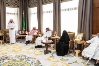 تركي بن طلال يلتقي أسرة آل راجح ووالدتهم شيخة العفو نورة آل عسيلة - المواطن