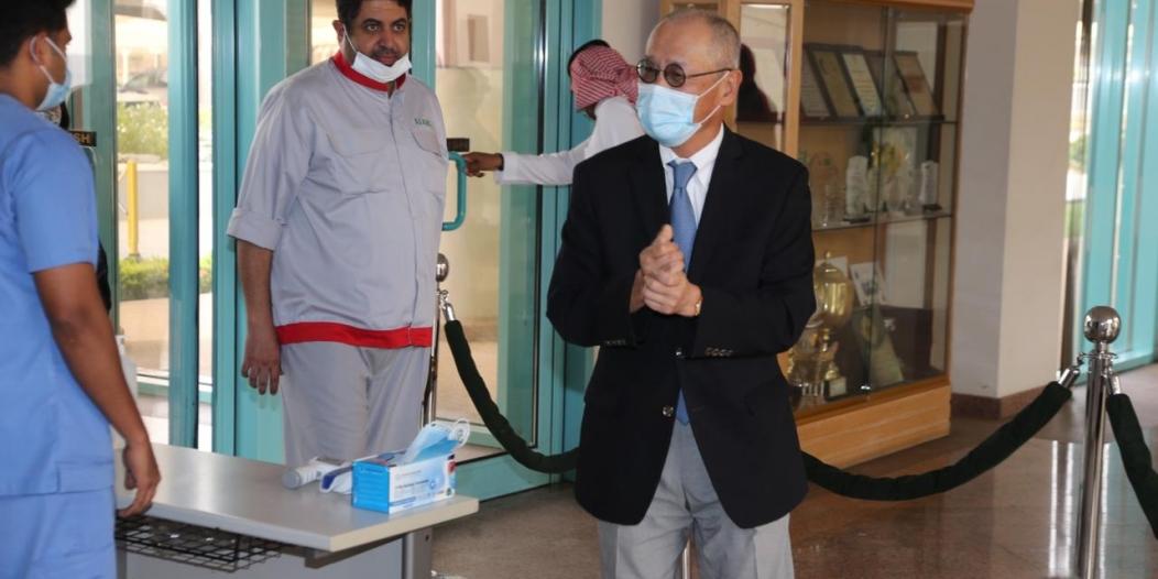 السفير الياباني بالمملكة : تجربة اللقاح عظيمة والسعودية لم تفرق بين مواطن ومقيم