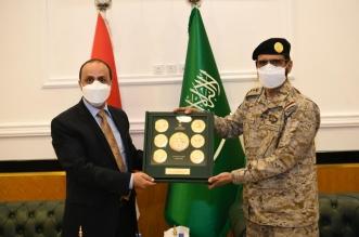 نائب رئيس هيئة الأركان يستقبل الإرياني لبحث مستجدات الأزمة اليمنية - المواطن