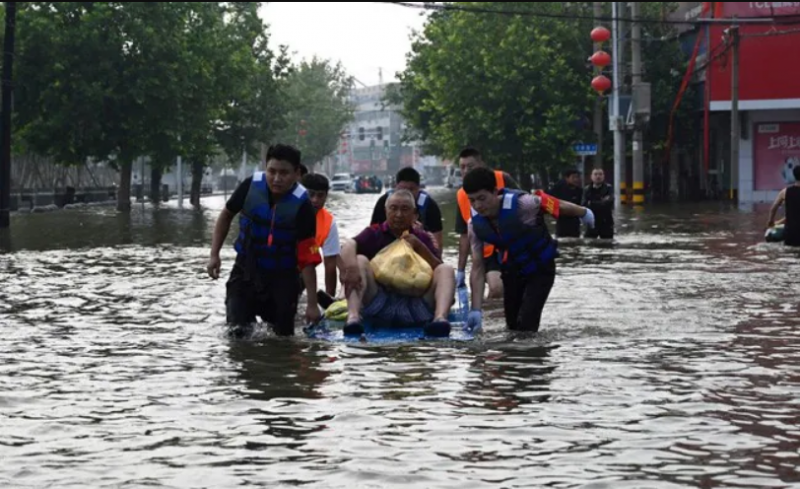 إعصار شديد يضرب الصين بعد الفيضانات المدمرة