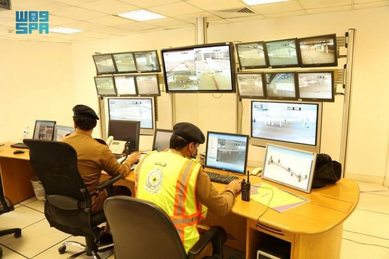 الدفاع المدني يرفع جاهزيته في جسر الجمرات والساحات المحيطة - المواطن