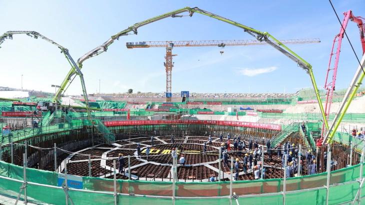 الصين تبني أول مفاعل نووي تجاري في العالم