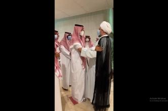 وفد من أهالي القطيف يقدم العزاء لنائب أمير الشرقية في وفاة والدته - المواطن