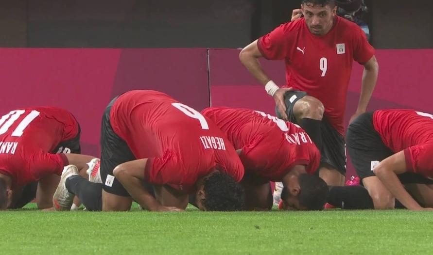 المنتخب المصري يتقدم على أستراليا بالشوط الأول
