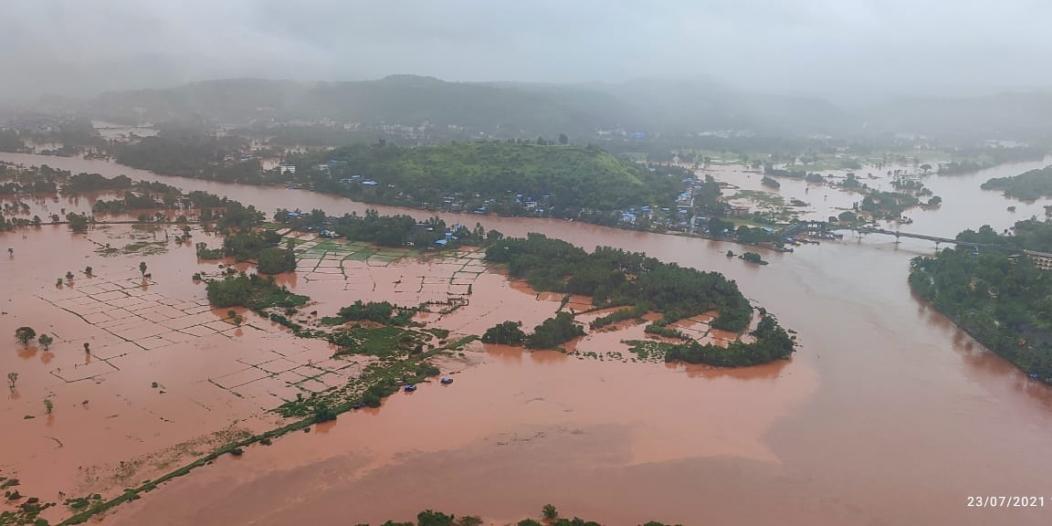 7 قتلى جراء انهيار مبنى بسبب سيول مومباي بالهند