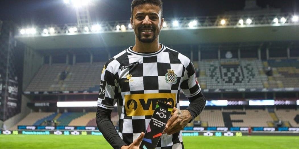 باولينيو يقترب من الشباب لـ4 مواسم