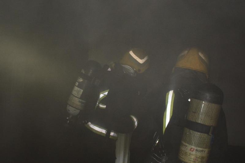 حريق في شقة بأحد أحياء جدة بسبب التماس كهربائي - المواطن