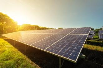 هكذا استثمرت السعودية في مشاريع الطاقة الشمسية الأجنبية
