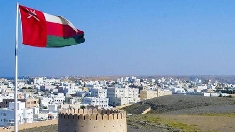 عمان: استمرار العمل بالحظر الجزئي وإغلاق الأنشطة التجارية