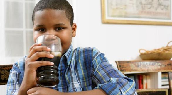 تحذير من الإفراط في تناول السكريات على الأطفال