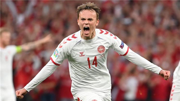 نجم منتخب الدنمارك على رادار ريال مدريد
