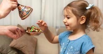 هذه أضرار الإكثار من تناول حلوى العيد - المواطن