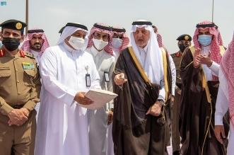 خالد الفيصل يتفقد المشاعر المقدسة ويشهد إصدار أول بطاقة حج ذكية - المواطن