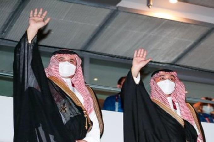 وزير الرياضة والأمير فهد بن جلوي