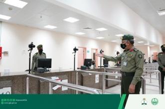 مدير عام الجوازات يتفقد إدارة متابعة الوافدين بجوازات منطقة مكة - المواطن