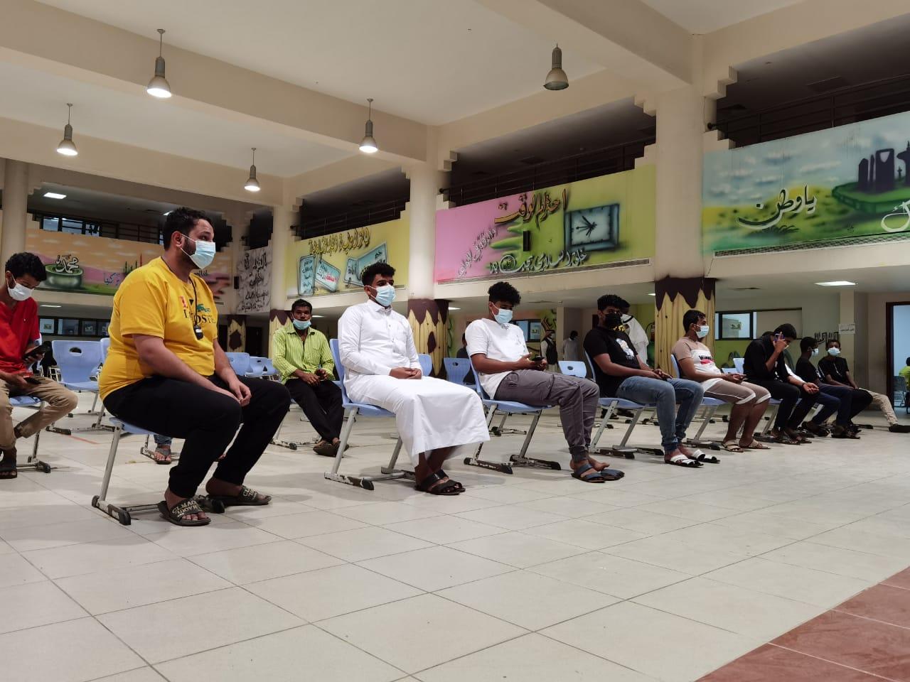 انطلاق مركز لقاح كورونا المدرسي في مكتب تعليم صامطة - المواطن