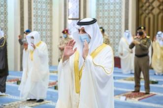 أمير الشرقية يؤدي صلاة عيد الأضحى مع جموع المصلين بالدمام - المواطن