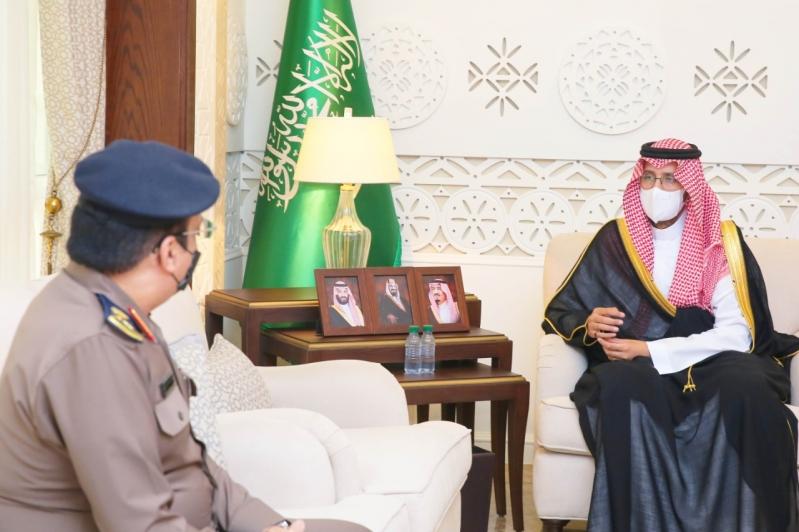 نائب أمير الشرقية يطلع على إنجازات الدفاع المدني ويشيد بجهودهم - المواطن