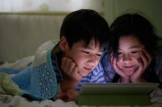 نصيحة للأطفال في العيد : السهر مع الإلكترونيات يدمر صحتكم - المواطن