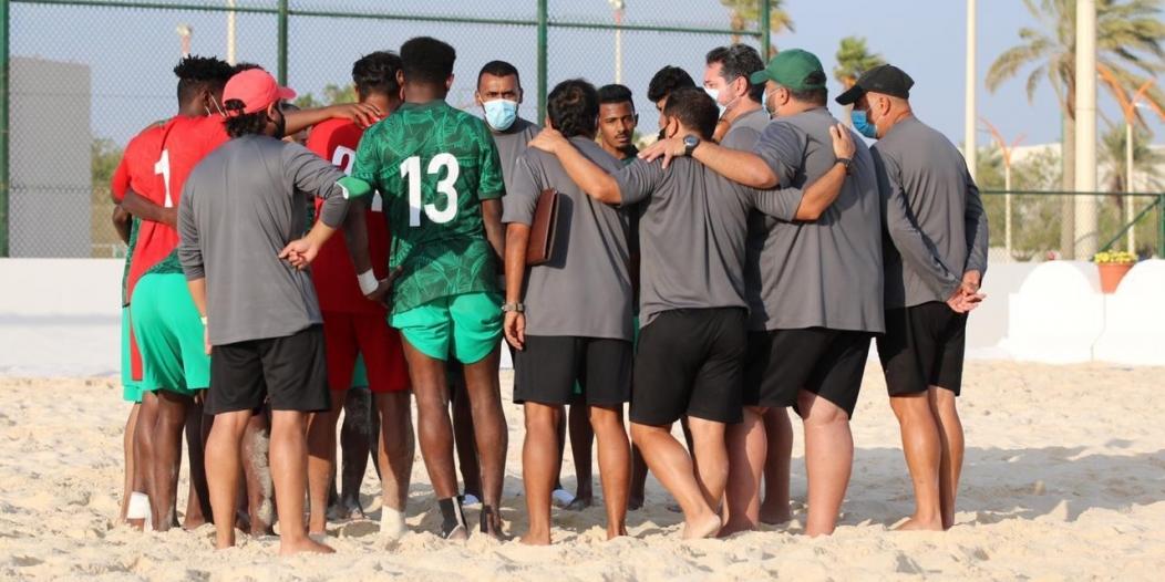 24 لاعبًا بقائمة أخضر الشاطئية في معسكر الجبيل