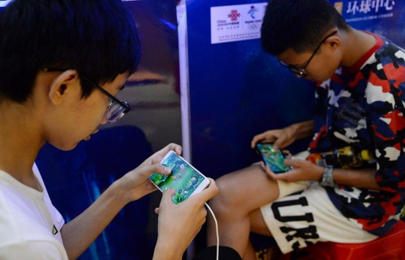 الصين تفرض قانونًا يقضي بلعب ألعاب الفيديو لمدة ساعة واحدة !