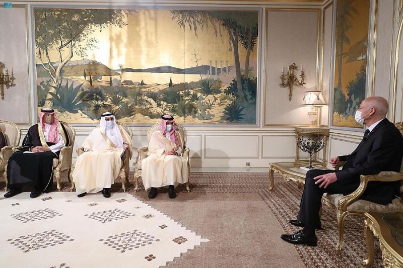 رئيس تونس يستقبل الوزير قطان ويبحثان التعاون المشترك