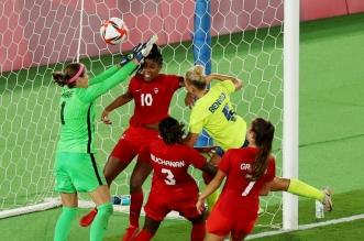 جانب من مباراة كندا والسويد للكرة النسائية