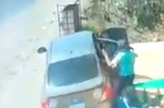 خطف طفل من أمام أمه بمصر والكاميرات توثق الحادث - المواطن