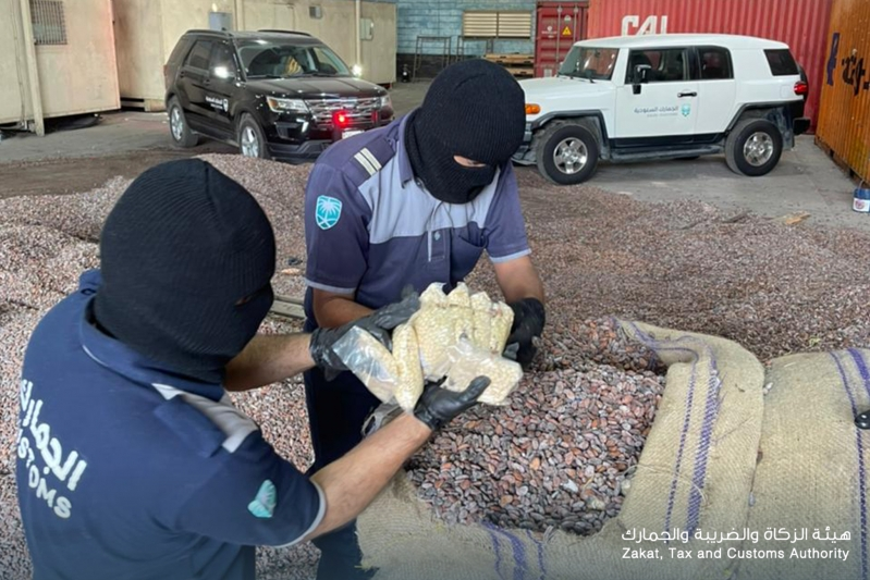 مصدر: المخدرات المخبأة في الكاكاو في ميناء جدة تابعة لـ حزب الله اللبناني - المواطن