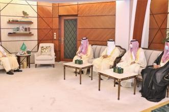 أمير الشرقية ونائبه يطلعان على تقرير أعمال تطوير جسر الملك فهد - المواطن