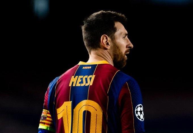 رسميًا .. ليونيل ميسي يرحل عن صفوف برشلونة