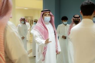 رئيس جامعة القصيم يتفقد إجراءات استقبال الطلبة حضوريًا - المواطن