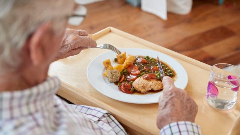 ماذا يحصل لأجسامنا حال تناولنا وجبة واحدة في اليوم؟ - المواطن