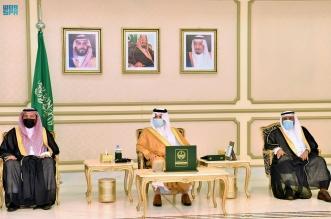 أمير الشرقية يكرّم أعضاء مجلس إدارة لجنة التنمية الاجتماعية