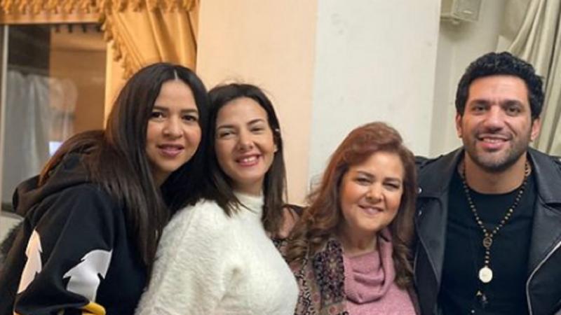 حقيقة اعتزال إيمي سمير غانم وشقيقتها دنيا - المواطن