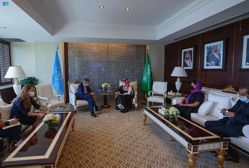 وزير الخارجية يستعرض الجهود الإغاثية مع رئيس الصليب الأحمر - المواطن