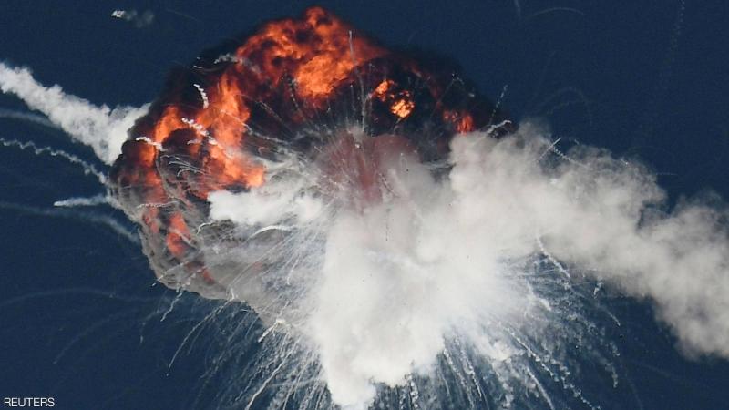 شاهد لحظة انفجار صاروخ أمريكي حامل للأقمار الصناعية