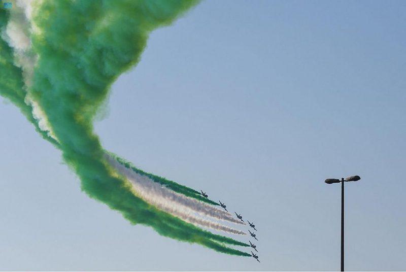 فريق فرسان الإمارات يحتفي باليوم الوطني السعودي في سماء أبوظبي - المواطن