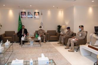 قائد القوات المشتركة المكلف يلتقي رئيس الوزراء اليمني