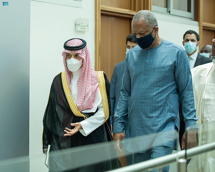 وزير الخارجية في أبوجا