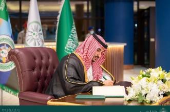 خالد بن سلمان يتفقد القوات الجوية الملكية والجاهزية القتالية - المواطن